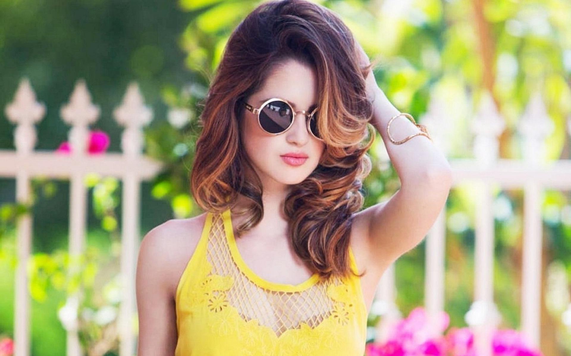 beautiful girl whatsapp dp collections