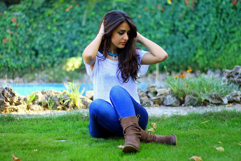 Hot Girl in Jeans DP