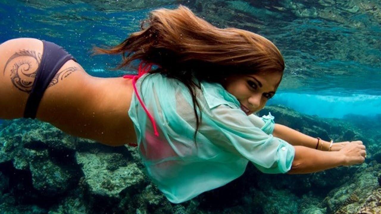 Hot Girls Underwater in Bikinis Whatsapp dps collections