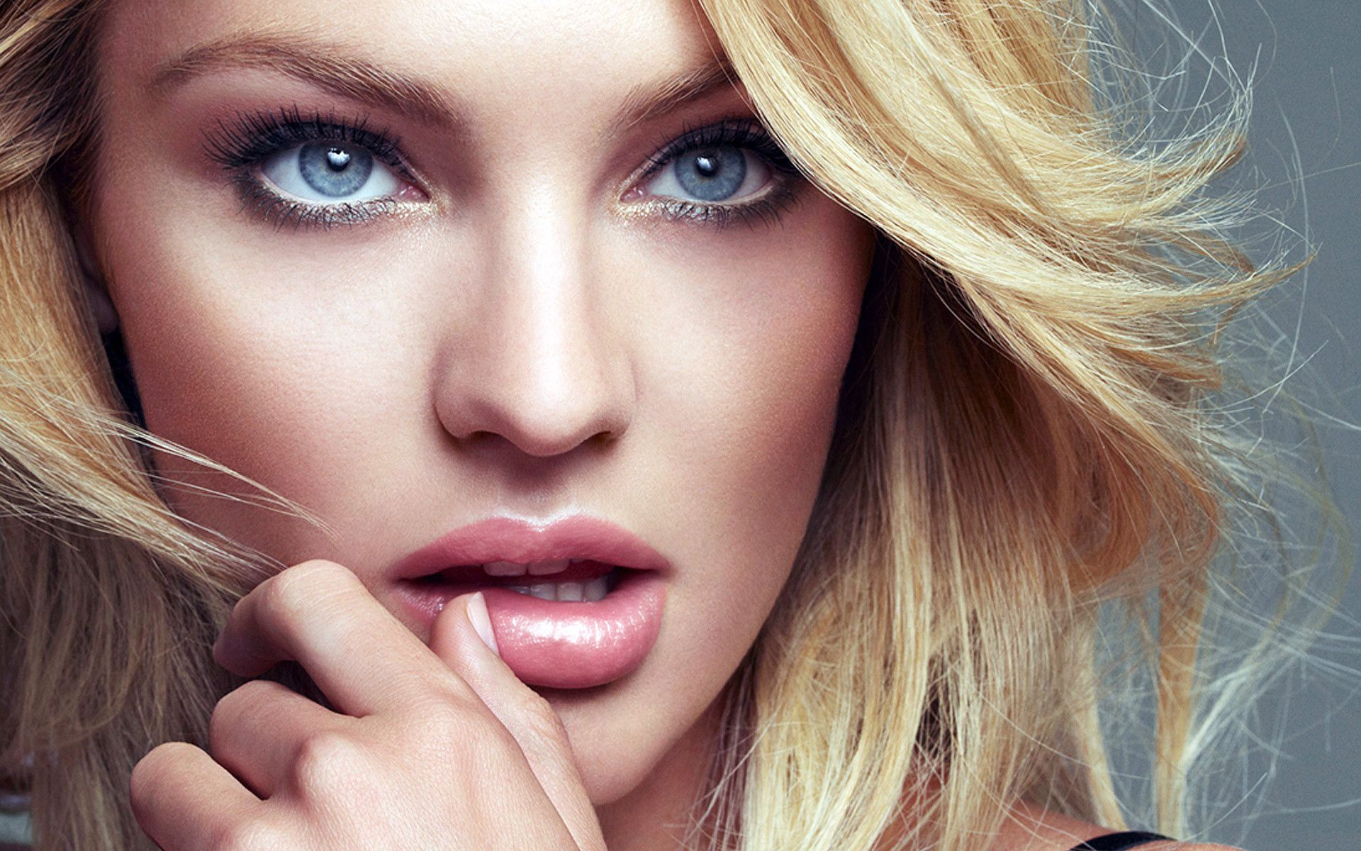 sexy lips girl images